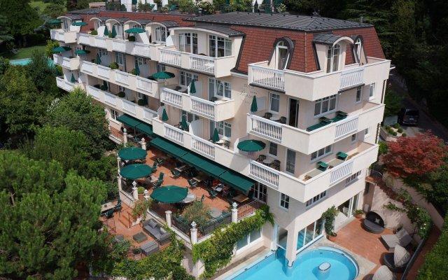 Отель Pienzenau Am Schlosspark Италия, Меран - отзывы, цены и фото номеров - забронировать отель Pienzenau Am Schlosspark онлайн вид на фасад