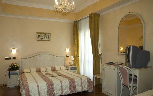 Отель Vienna Ostenda Италия, Римини - 2 отзыва об отеле, цены и фото номеров - забронировать отель Vienna Ostenda онлайн комната для гостей