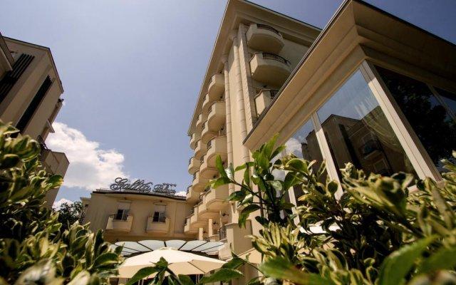 Отель Gallia Palace Римини вид на фасад