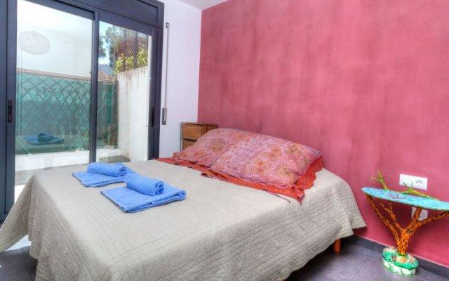 Отель Casa Cap Ras - Four Bedroom Испания, Льянса - отзывы, цены и фото номеров - забронировать отель Casa Cap Ras - Four Bedroom онлайн вид на фасад