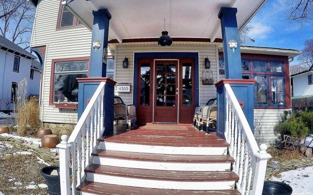 Отель Blue Gables Bed and Breakfast вид на фасад