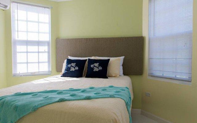 Отель Sea Castle Vacation Villa комната для гостей