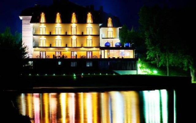 Парк-Отель Швейцария Ровно вид на фасад