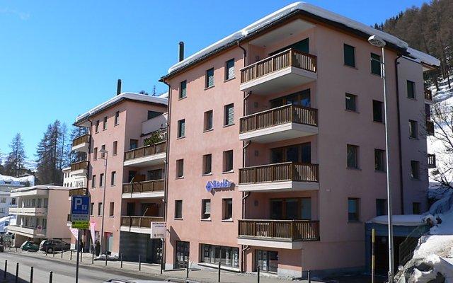 Отель Chesa Sur Ova 30 - Two Bedroom Швейцария, Санкт-Мориц - отзывы, цены и фото номеров - забронировать отель Chesa Sur Ova 30 - Two Bedroom онлайн вид на фасад