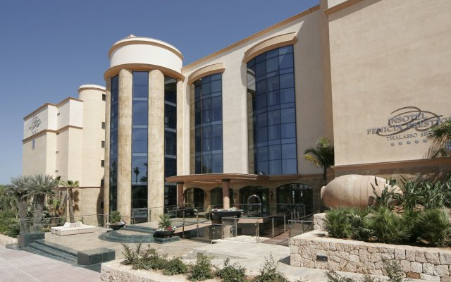 Отель Insotel Fenicia Prestige Suites & Spa вид на фасад