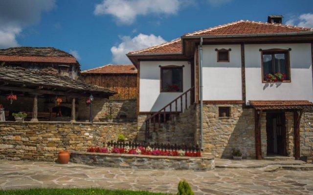 Отель Guest House Stoilite Болгария, Габрово - отзывы, цены и фото номеров - забронировать отель Guest House Stoilite онлайн вид на фасад