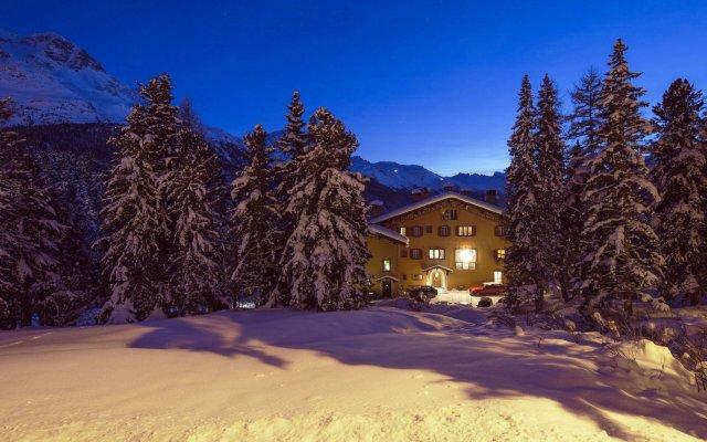 Отель Chesa Spuondas Швейцария, Санкт-Мориц - отзывы, цены и фото номеров - забронировать отель Chesa Spuondas онлайн вид на фасад