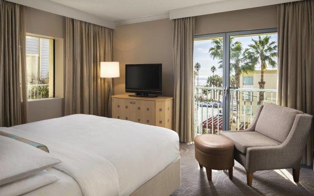 Отель Jw Marriott Santa Monica Le Merigot Санта-Моника комната для гостей