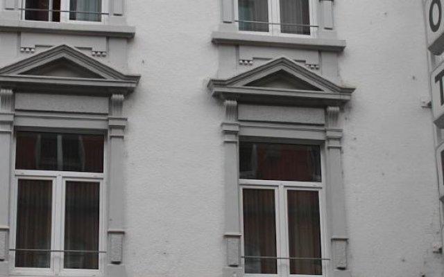 Hotel Topas вид на фасад