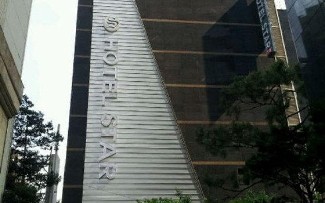 Hotel Star Gangnam вид на фасад
