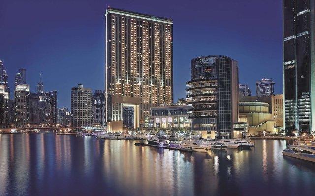 Отель The Address Dubai Marina Дубай вид на фасад