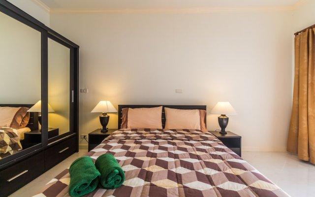 Отель On The Beach Villa by Lofty комната для гостей