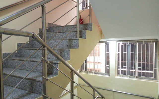 Апартаменты The Habitat Suites & Apartments Annex вид на фасад
