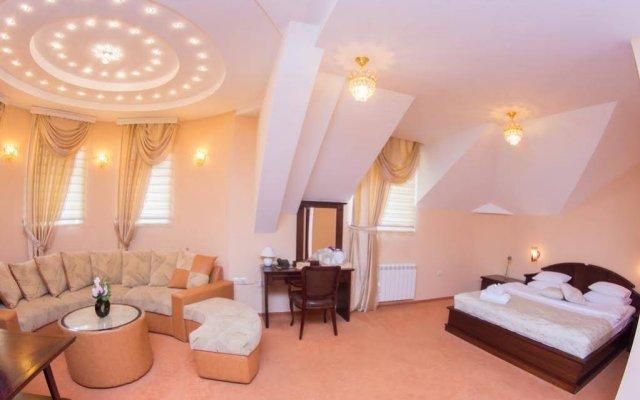 Hotel Royal Crown Garni