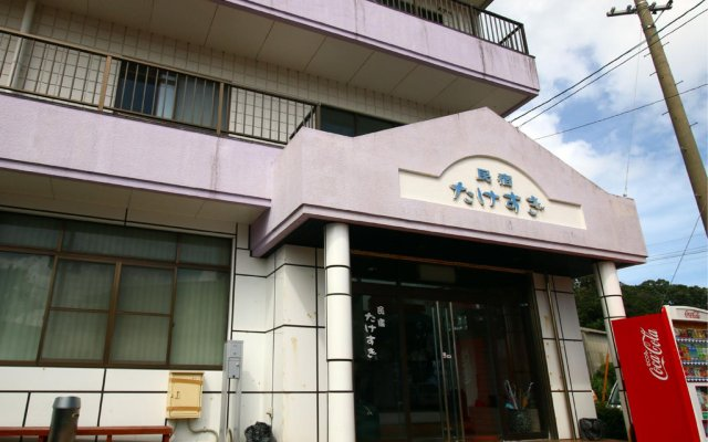 Отель Minshuku Takesugi Якусима вид на фасад