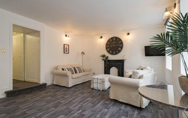 Royal Mile 5 BR Apartment nr Castle