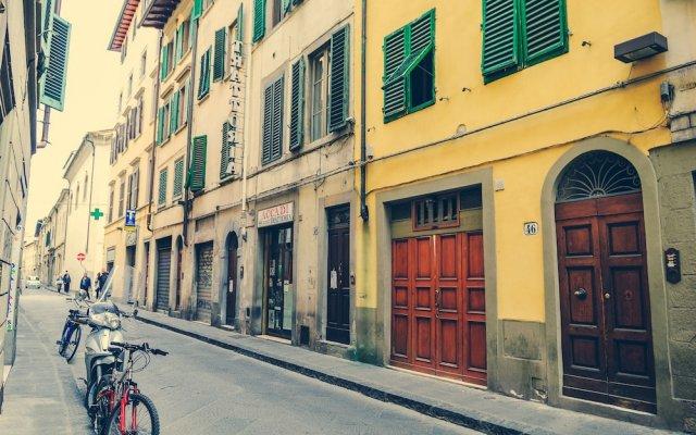 Отель Officina 360 - Santissima Annunziata Италия, Флоренция - отзывы, цены и фото номеров - забронировать отель Officina 360 - Santissima Annunziata онлайн вид на фасад