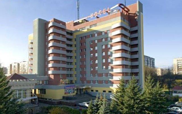 Отель Турист Ровно вид на фасад