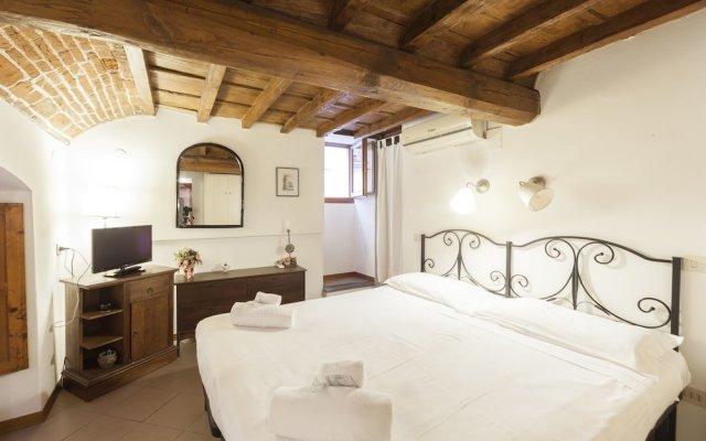 Отель Lambertesca 8 комната для гостей