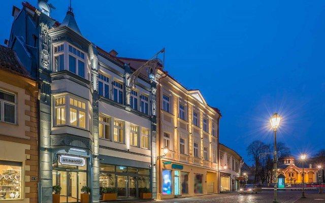 Отель Artagonist Art Hotel Литва, Вильнюс - 1 отзыв об отеле, цены и фото номеров - забронировать отель Artagonist Art Hotel онлайн вид на фасад