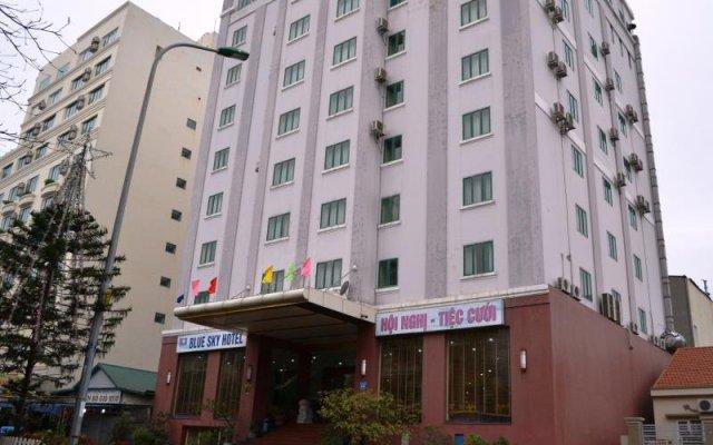 Отель Blue Sky Halong Hotel Вьетнам, Халонг - отзывы, цены и фото номеров - забронировать отель Blue Sky Halong Hotel онлайн вид на фасад