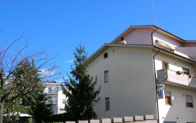 Отель Bed & Breakfast Gili Италия, Кастельфидардо - отзывы, цены и фото номеров - забронировать отель Bed & Breakfast Gili онлайн вид на фасад