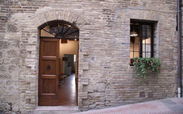 Отель We Tuscany - Il Capitello Just Below The Towers Италия, Сан-Джиминьяно - отзывы, цены и фото номеров - забронировать отель We Tuscany - Il Capitello Just Below The Towers онлайн вид на фасад