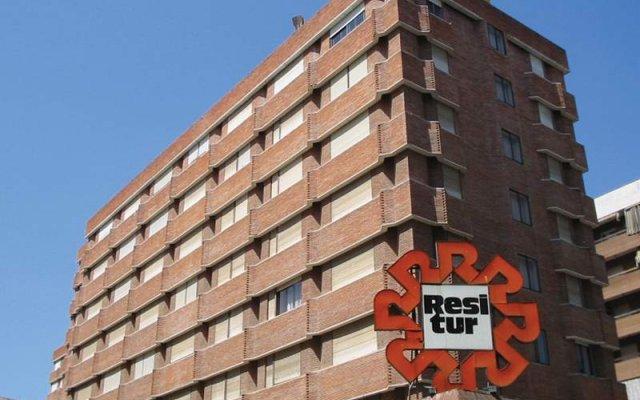 Апартаменты Apartments Turisticos Resitur вид на фасад