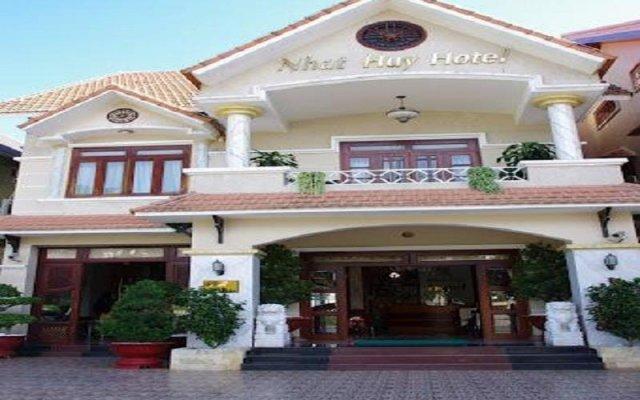 Nhat Huy Hotel Далат вид на фасад