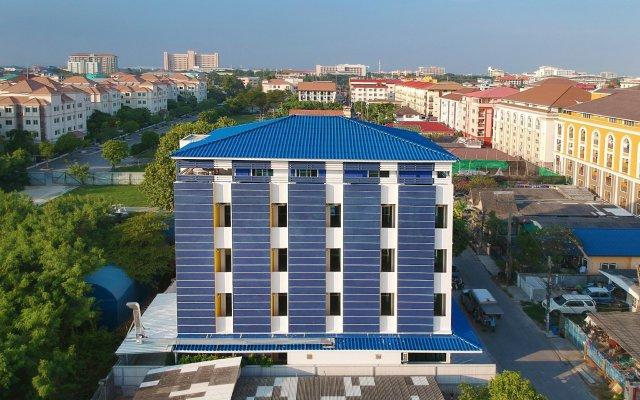 Отель Patch Suvarnabhumi Bangkok Бангкок вид на фасад