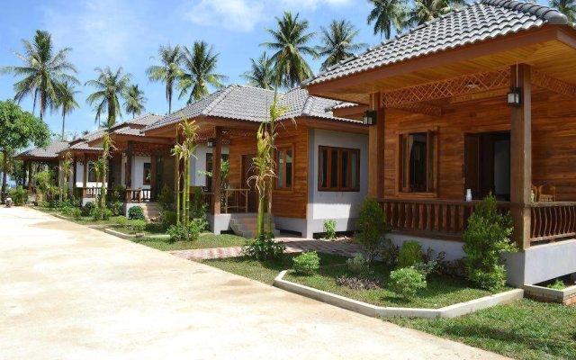 Отель Khum Laanta Resort Ланта вид на фасад