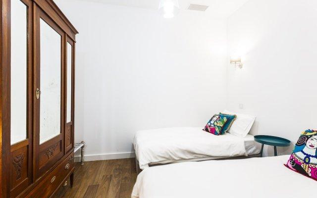 Апартаменты Chalet Estoril Luxury Apartment вид на фасад