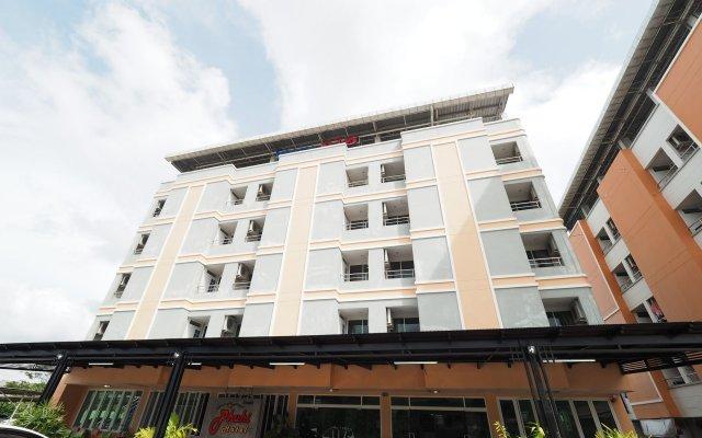 Phuhi Hotel вид на фасад