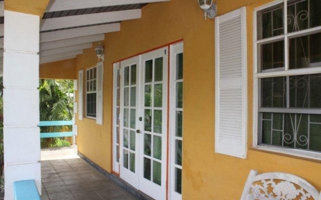 Апартаменты Buttercup Cottage Apartments вид на фасад