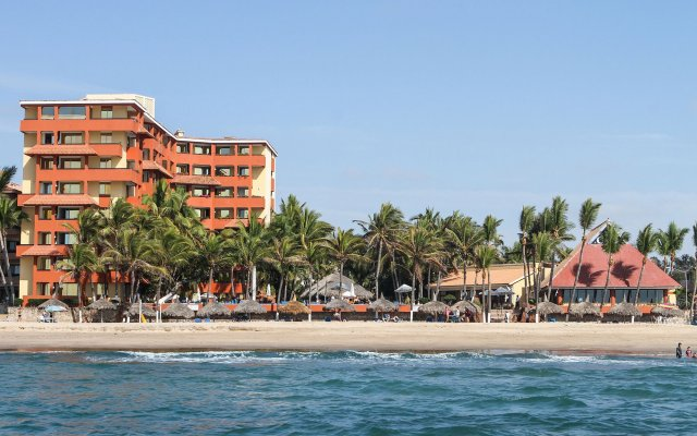 Luna Palace Hotel and Suites