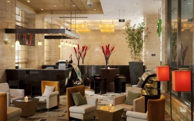 Hotel Holiday Inn Central Plaza