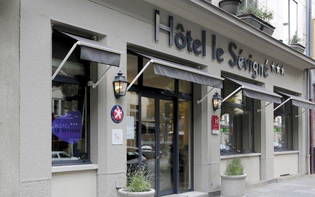 Inter-Hotel Le Sevigne Rennes Centre Gare вид на фасад