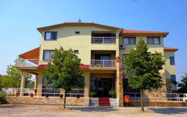 Отель Viktoria Албания, Тирана - отзывы, цены и фото номеров - забронировать отель Viktoria онлайн вид на фасад