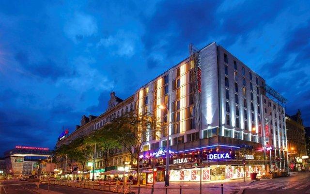 Отель IntercityHotel Wien вид на фасад