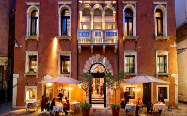Ca Pisani Hotel вид на фасад
