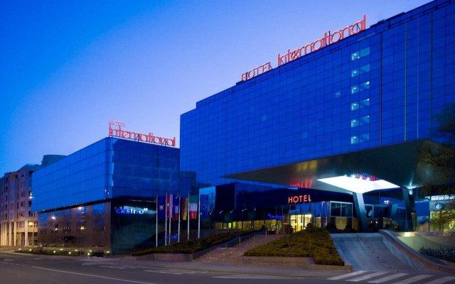 International Hotel вид на фасад