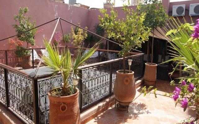 Отель Riad Ailen Марракеш вид на фасад