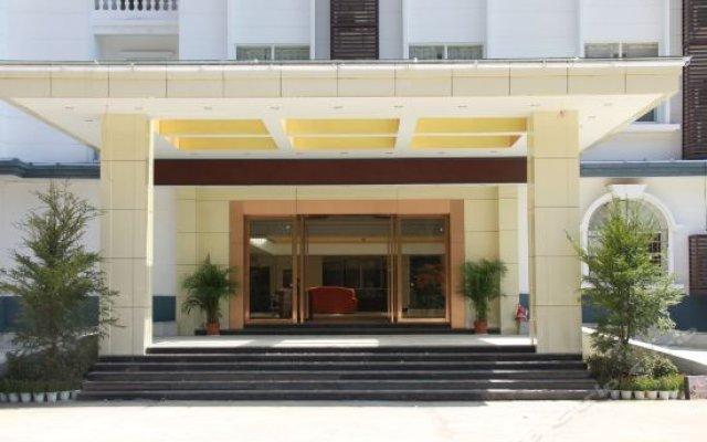 JingGangShanHongGe Hotel вид на фасад