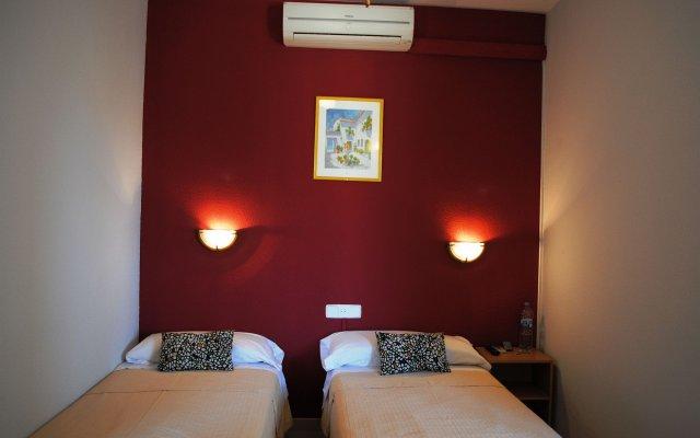 Отель Sant Jordi Испания, Калафель - отзывы, цены и фото номеров - забронировать отель Sant Jordi онлайн комната для гостей