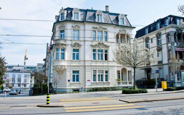 Отель Seestrasse Apartments Drei Koenige Швейцария, Цюрих - 1 отзыв об отеле, цены и фото номеров - забронировать отель Seestrasse Apartments Drei Koenige онлайн вид на фасад