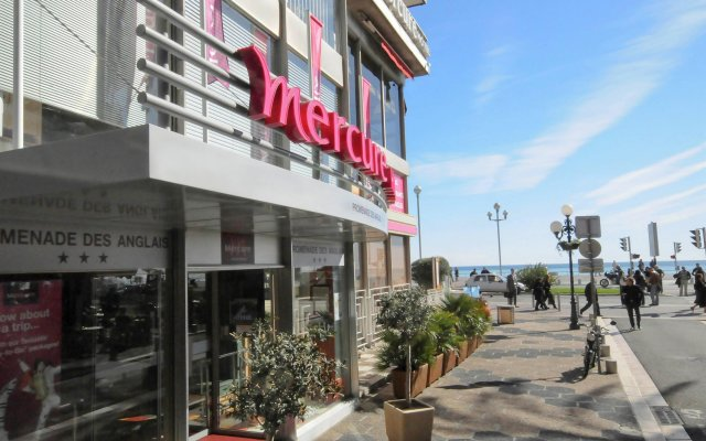 Отель Mercure Nice Promenade Des Anglais вид на фасад