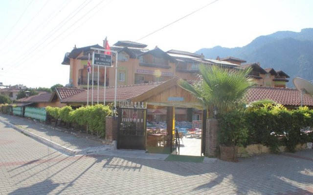 Апартаменты ICR SUN Village Apartments вид на фасад