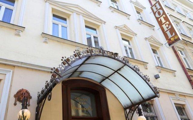 Отель Donatello Прага вид на фасад
