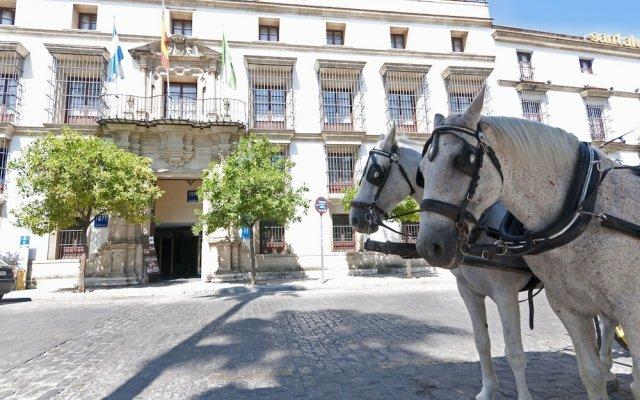 Отель TRYP Jerez Hotel Испания, Херес-де-ла-Фронтера - отзывы, цены и фото номеров - забронировать отель TRYP Jerez Hotel онлайн вид на фасад