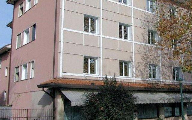 Отель Vienna Италия, Маргера - 1 отзыв об отеле, цены и фото номеров - забронировать отель Vienna онлайн вид на фасад